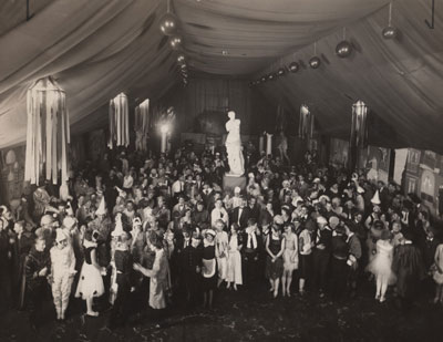 Beaux Arts Ball, group shot, circa 1920s