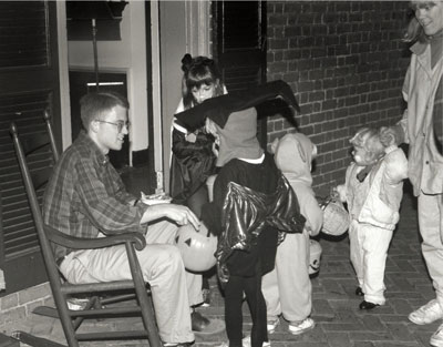 Halloween on the Lawn, 1992